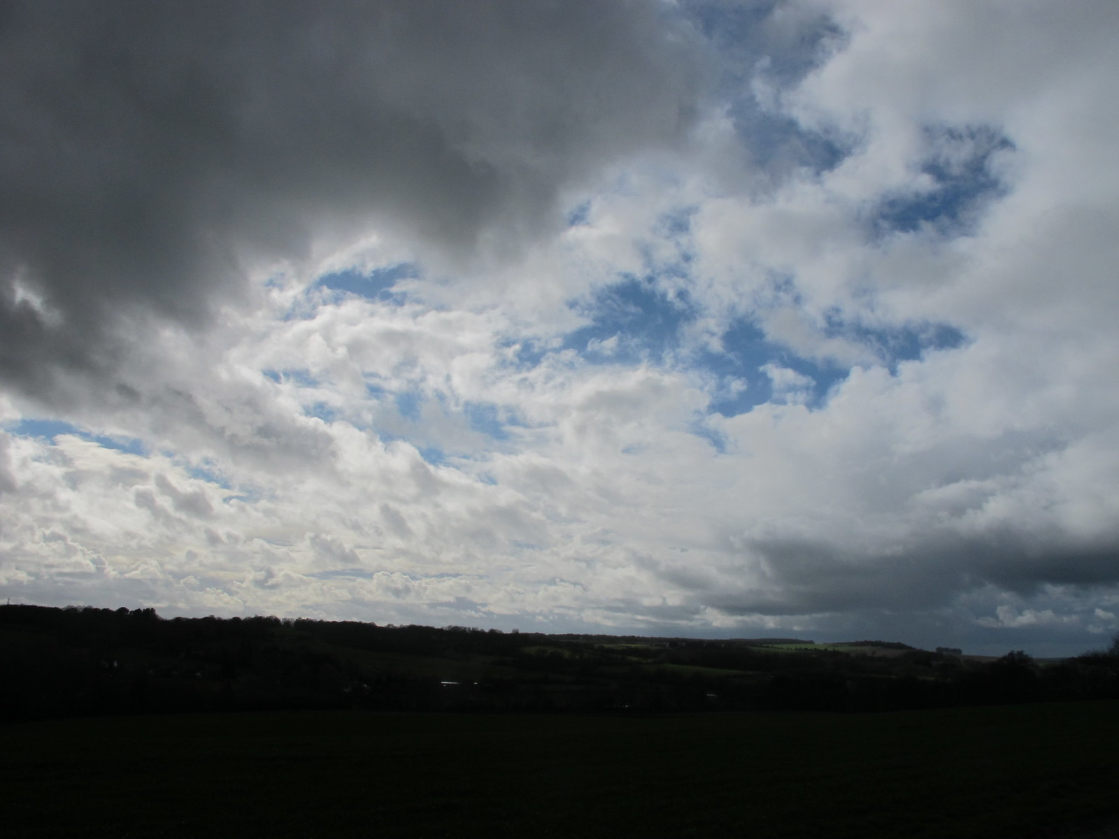 Cloudscape, near Mount Farm SWC Walk 58 Mottisfont and Dunbridge to Romsey taken by Karen C.