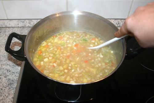 29 - Gemüse köcheln lassen / Let vegetables immer