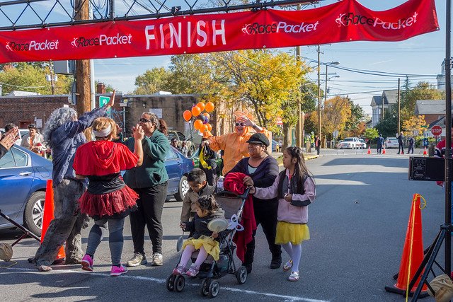 Mount Rainier 2015 5K & Halloween Parade