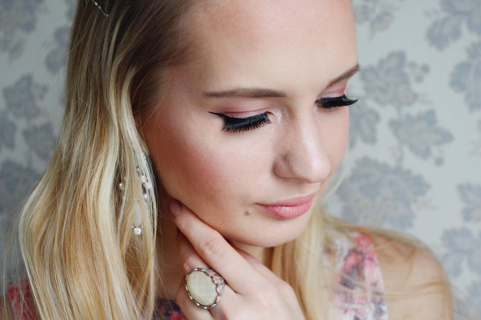Fake eye lashes from Catrice