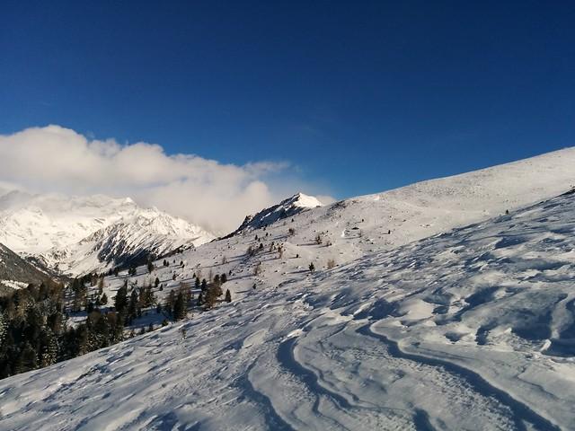 Gipfel und Gipfelkreuz vom Rammelstein in Sicht