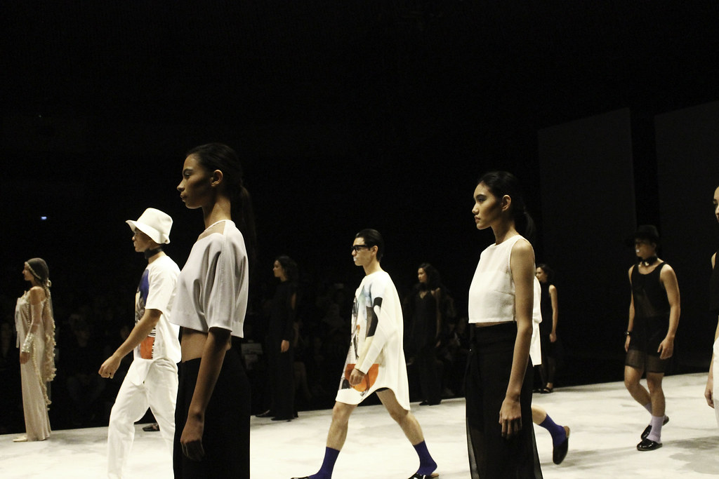 Indonesia Fashion Week 2016 - Makeover presents eyevolution5