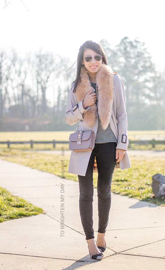 faux fur scarf, trench coat, gray tee, black pants, nude studded crossbody bag, bow ballerina flats