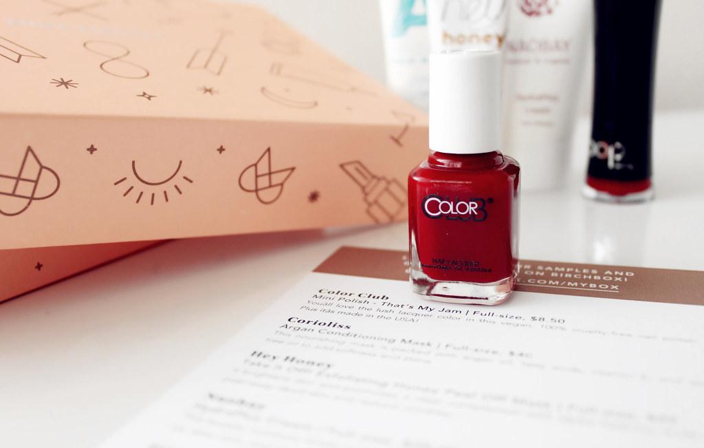 1705-color-club-mini-polish-that's-my-jam-red