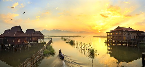 sunrise panoramic myanmar inlelake