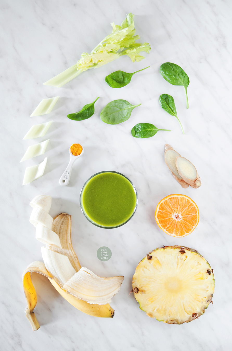 Green smoothie with sea buckthorn mousse
