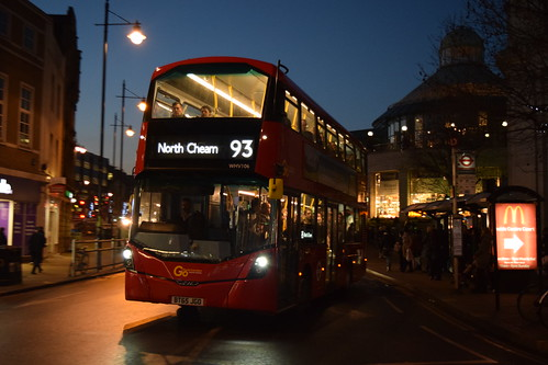 Go-Ahead London General WHV106 on Route 93, Wimbledon