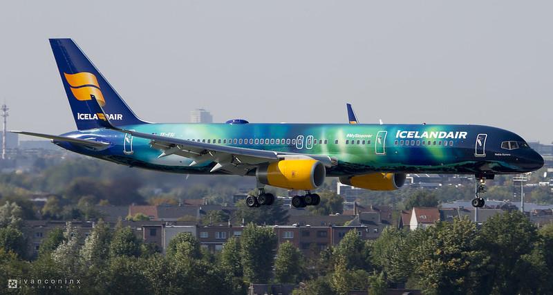 Boeing 757-25C – Icelandair – TF-FIU – Brussels Airport (BRU EBBR) – 2015 10 01 – Landing RWY 01 – 02 – Copyright © 2015 Ivan Coninx