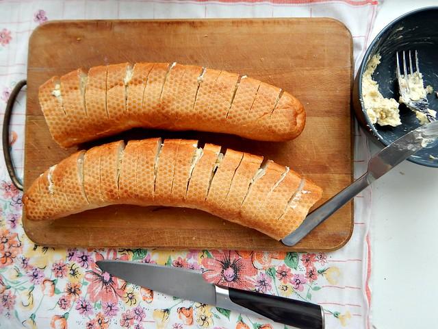 Чесночный хлеб, рецепт с пошаговыми фотографиями | Хорошо.Громко.