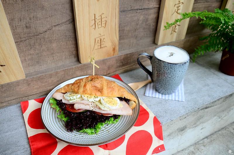 小空間板橋早午餐咖啡廳不限時推薦小倉庫菜單時間新埔 (37)