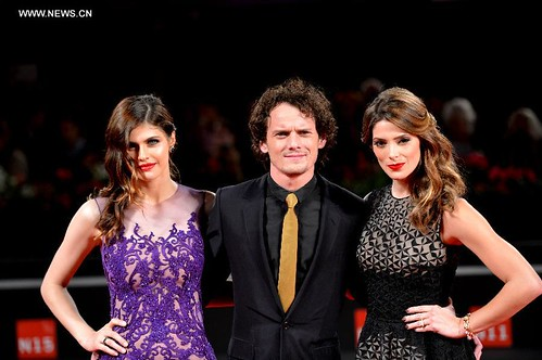 Burying The Ex - Cast - Alexandra Daddario, Anton Yelchin, Ashley Greene