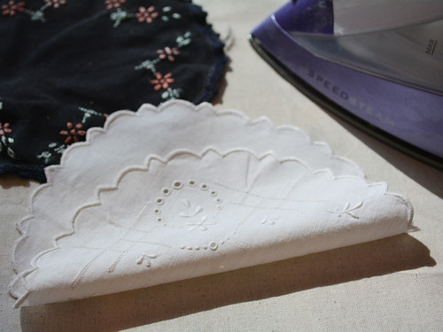 Bunting_Vintage_Doilies (1)