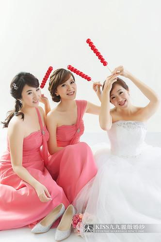 來看看我們在高雄建國國小拍的閨蜜婚紗吧!Kiss九九麗緻婚紗 (6)