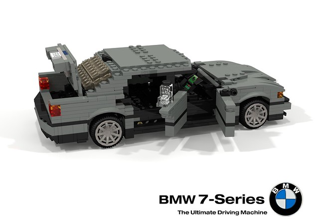BMW E38 750iL (Tomorrow Never Dies)
