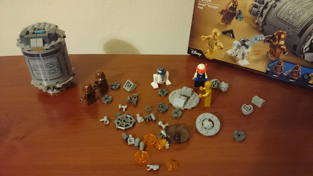 ThebrickReview: LEGO 75136 - (Star Wars) Droid Escape Pod (Pic Heavy!) 25885979246_07eed99a6a_b