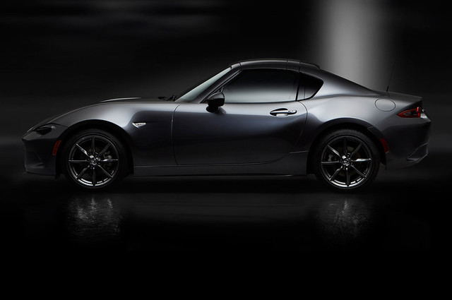 2017-Mazda-MX-5-Miata-RF-profile-top-up