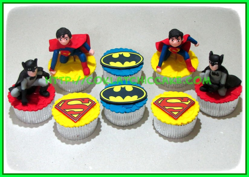 cupcake batman superman