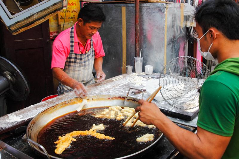 Chiang Mai Go Neng Fried Cruller Stall