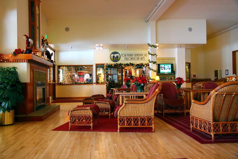IMG_3306 Mammoth Hot Springs Hotel