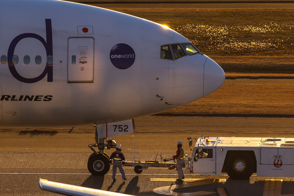 """One World"" JA752J JAL 日本航空 Boeing 777-300"