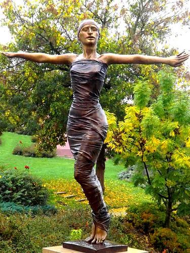 statue szobor tänzerin vasvár táncosnő törökrichárd