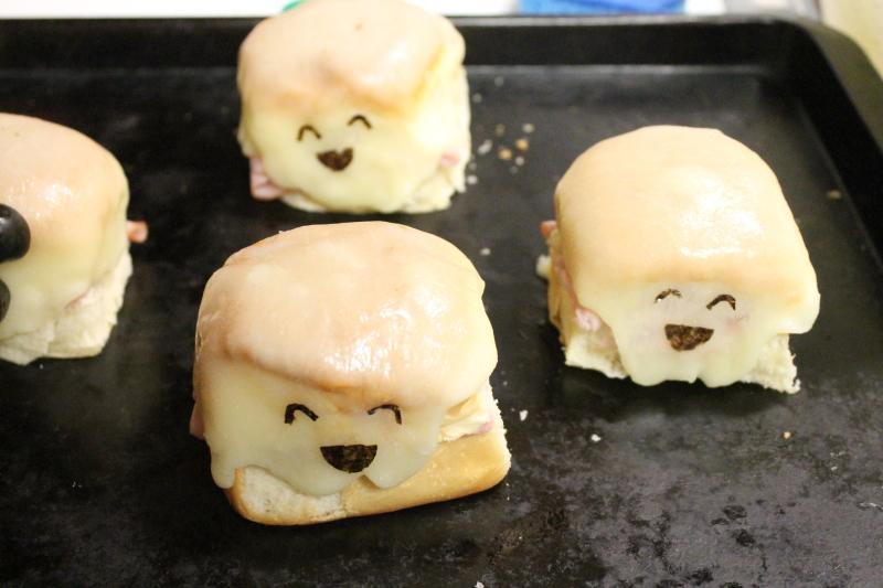 Ghost sandwiches, 2