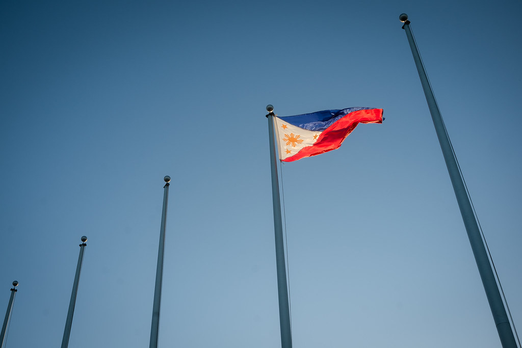 Lone Philippine Flag waving proud in Davao International Airport