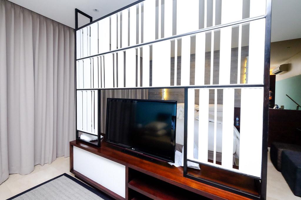 Montigo Resorts Semniyak: Television