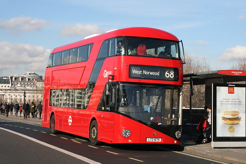 London Central LT679 on Route 68, Waterloo Bridge
