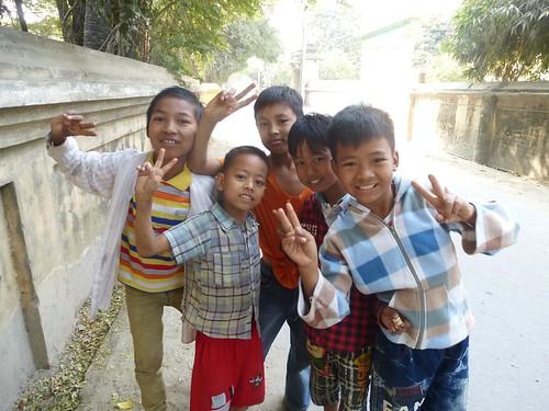 M16-Mandalay-Quartier des moines-Enfants (1)