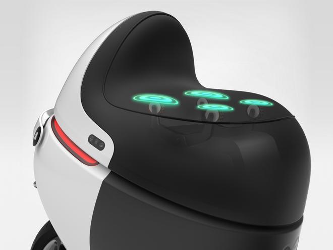 Gogoro SmartSeat智慧摩力座可轉換路面震動為按摩動能
