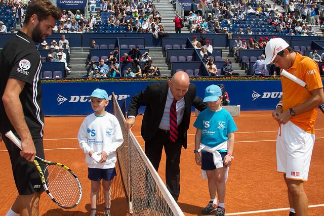 Escort Kids de AFANOC, con el patrocinio de Banco Sabadell antes del partido Nishikori - Paire