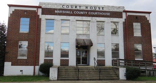 Marshall County Courthouse (Albertville, Alabama)