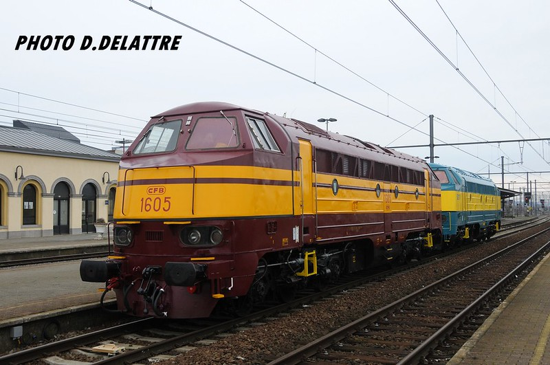SNCB-NMBS 5215 - CFL-CFB 1605 / Mouscron