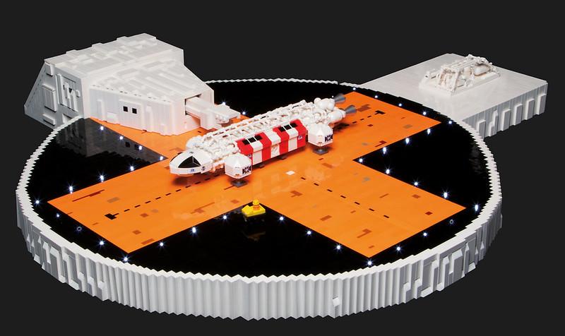 LEGO Space 1999: Rescue Eagle on pad 5
