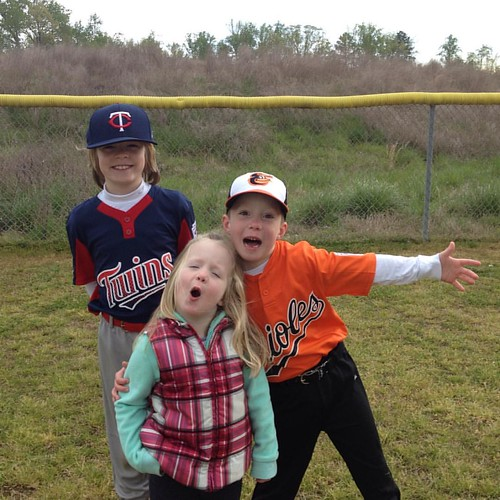 Gray chilly morning at the ball field but they don't seem to mind. 💞⚾️