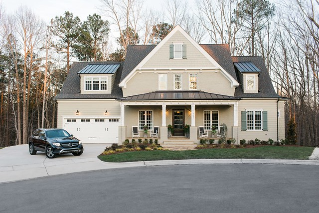 HGTV Smart Home 2016 Exterior with car