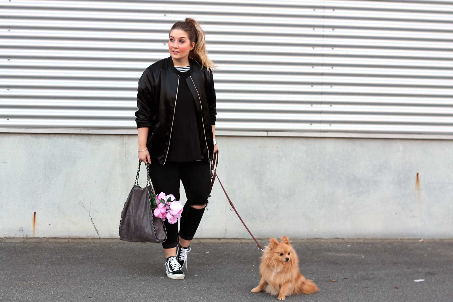 d0d9f0e561 Outfit  Schwarze Bomberjacke und Vans Old Skool - Fashion Passion Love