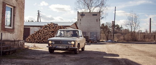 old classic car canon outside outdoors eos sunny latvia soviet vehicle lada vaz latvija 2103 40d kraslava