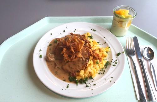 Swabian dish - Minute pork steaks with mushroom sauce, fried onions & cheese spaetzle / Schwabenteller - Minutensteaks vom Schwein mit Schwammerlsauce, Röstzwiebeln & Käsespätzle