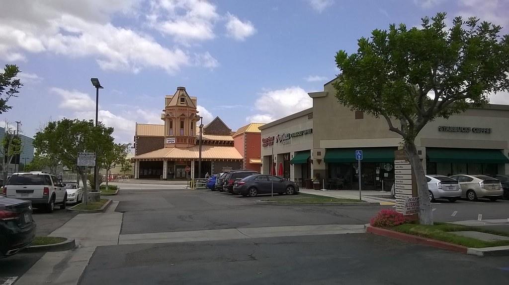 Esperanza village shopping center orange county - Maison d architecte orange county californie ...