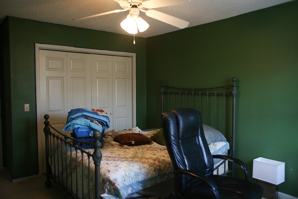 Why it is important to make a home a home. Our Guestroom office make over