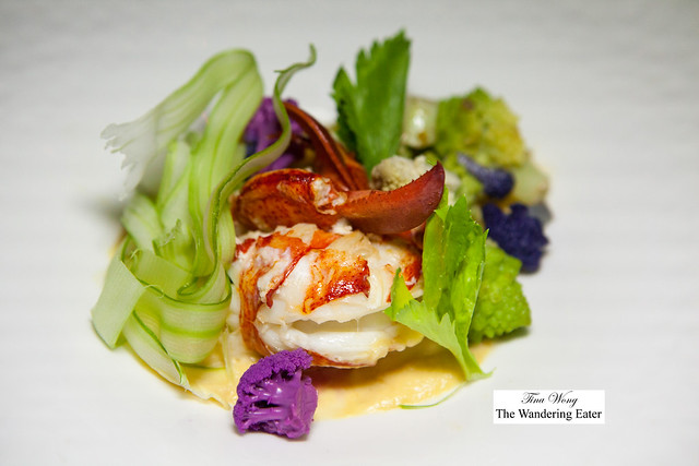 Steamed lobster with Romanesco sauce and vegetables