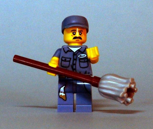 71011 LEGO Minifigures - Series 15 - Janitor