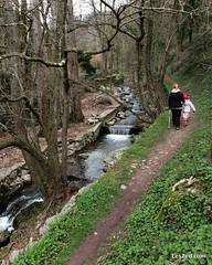 Family hiking on a trail near Condrieu / Randonnée en famille sur le sentier de l'Arbuel à Condrieu (Pilat - France) #randonnee #instawalk #hike #hiking #nature #instanature #naturelovers #naturelover #travelwithkids #familytravel #familytrip #country #co