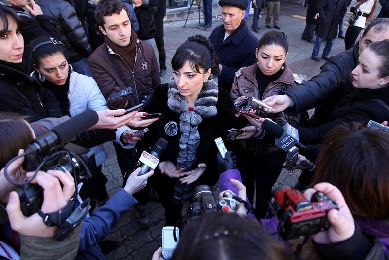 «Ժողովուրդ»-ի նկատմամբ դատական հայցի դեմ բողոքի ակցիային