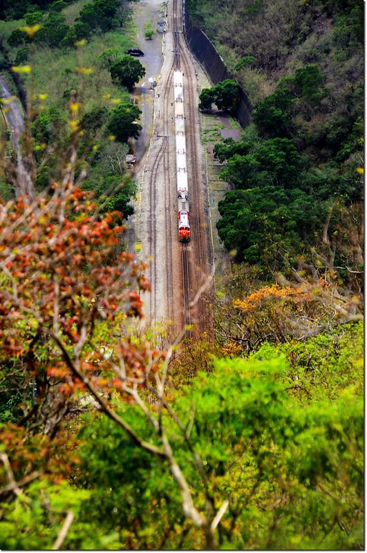 323山頭俯瞰南迴鐵路 1