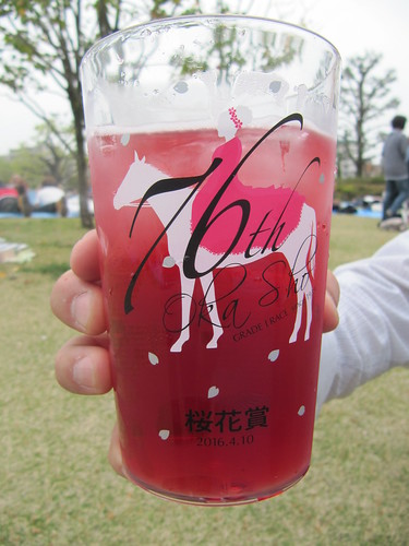 阪神競馬場の桜花賞限定カクテル