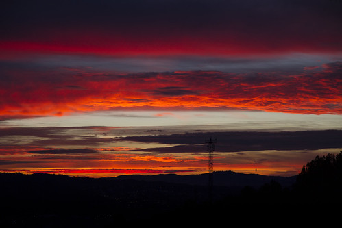 barcelona morning red verde sol sunrise landscape rojo amanecer cielo montserrat catalunya vistas montjuic nuvols collbato vistes canroca esparreguera cancomelles