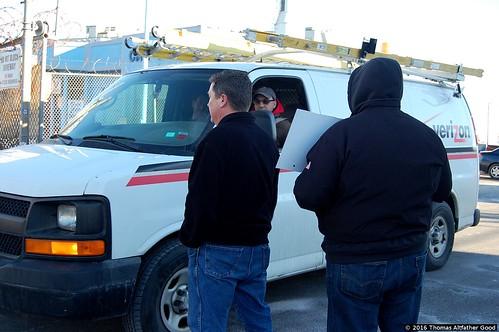 CWA Retirees Picket Verizon Garage (6)